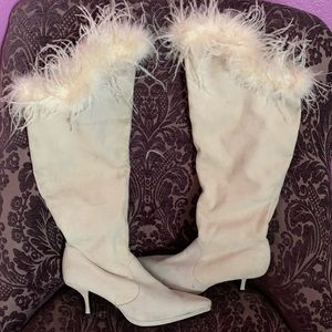 Winter White Leather Suede Feather Trim Boots 10